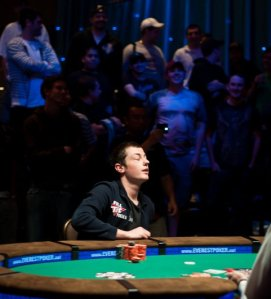 Tom Dwan finishes second